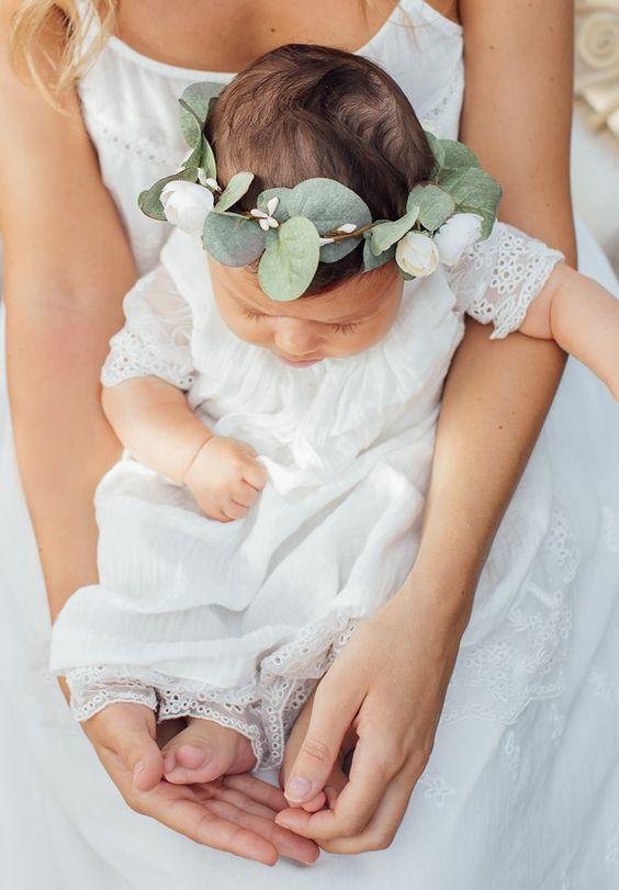 15 idées pour occuper les enfants le jour de votre mariage. Offrez-vous les services d'une baby-sitter.