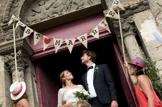 """Fanion """"just married"""" pour la sortie de cérémonie"""