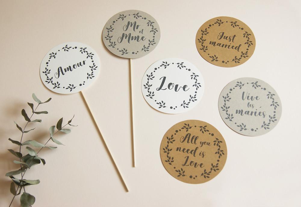 """cake topper imprimable avec les mots : """"amour"""", """"mr et mme"""", """"lov"""", """"All you need is love"""", """"Just married"""", """"Vive les mariés"""""""