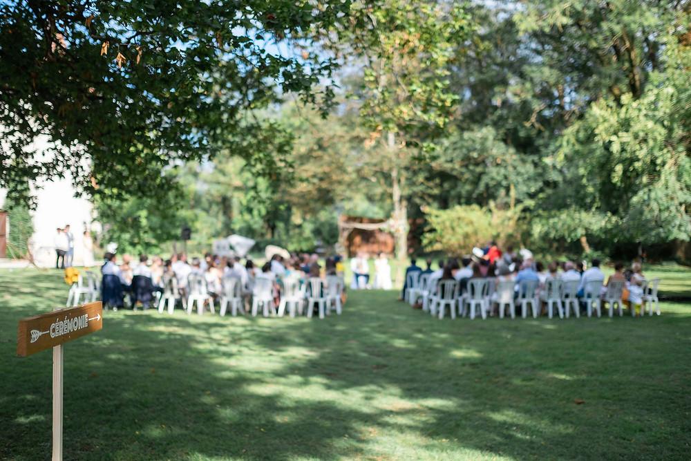 Un mariage écolo, cérémonie laique en plein air. Crédit photo : Lena G