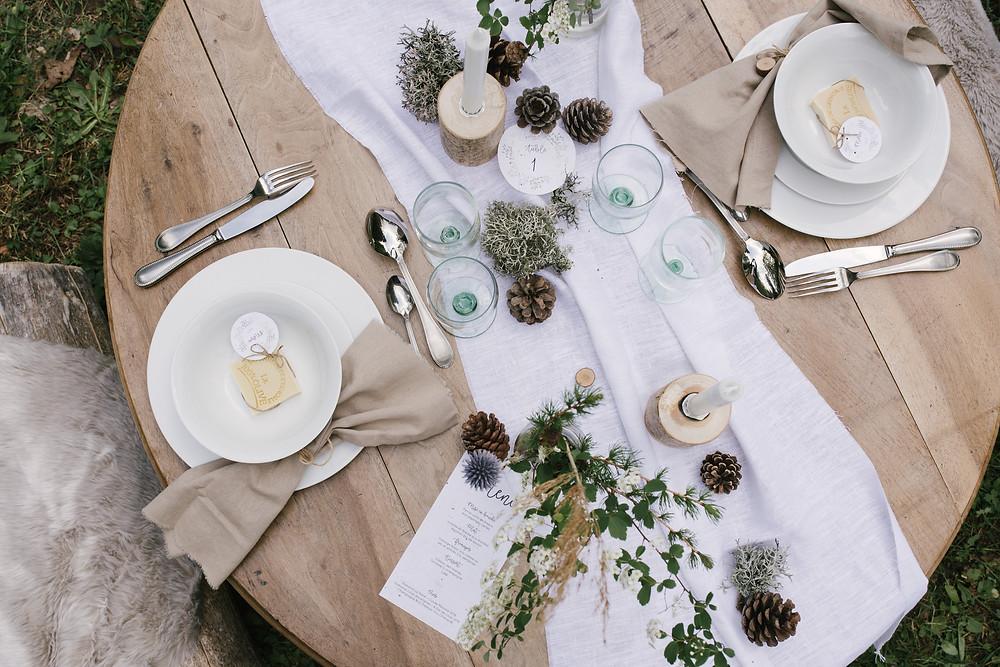 table de mariage zéro déchet, décoration végétale. Photo : Lisebery