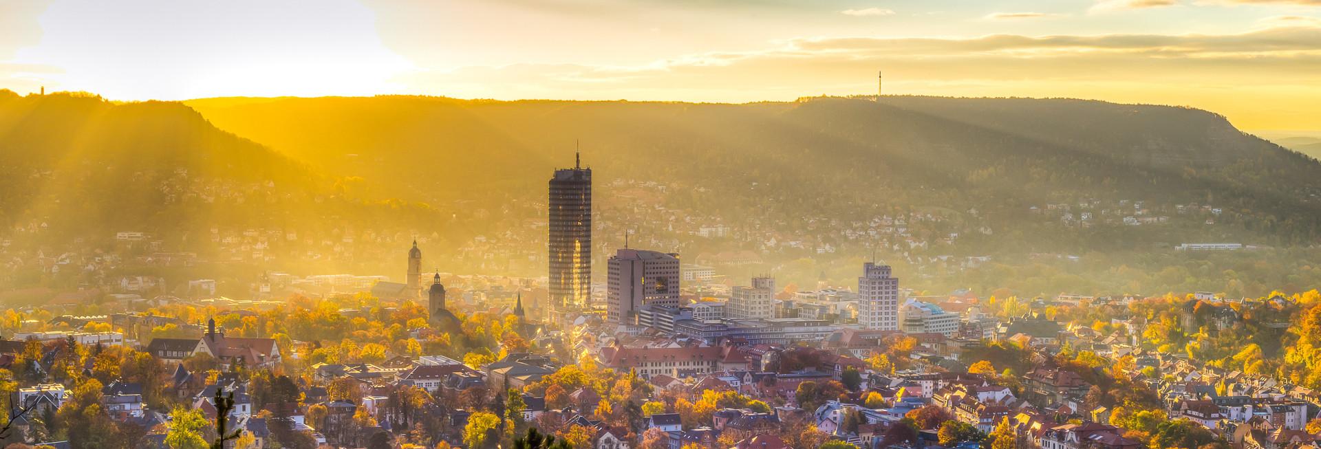 Jena_Panorama_Bild_Herbststadt_Sonnenber
