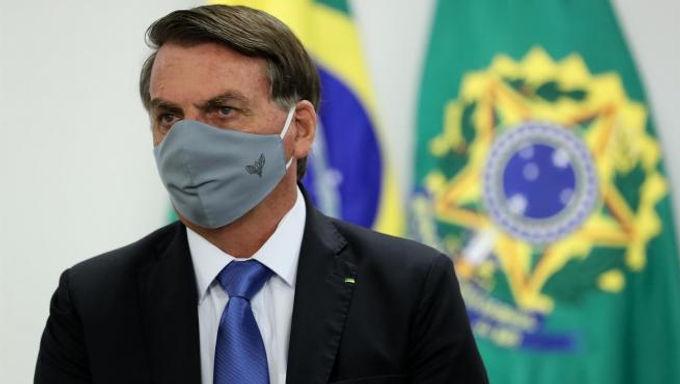 Bolsonaro anuncia comité para combatir el Covid en el peor momento de la pandemia en Brasil