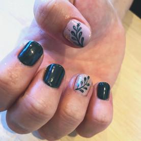 nails leafs.jpg