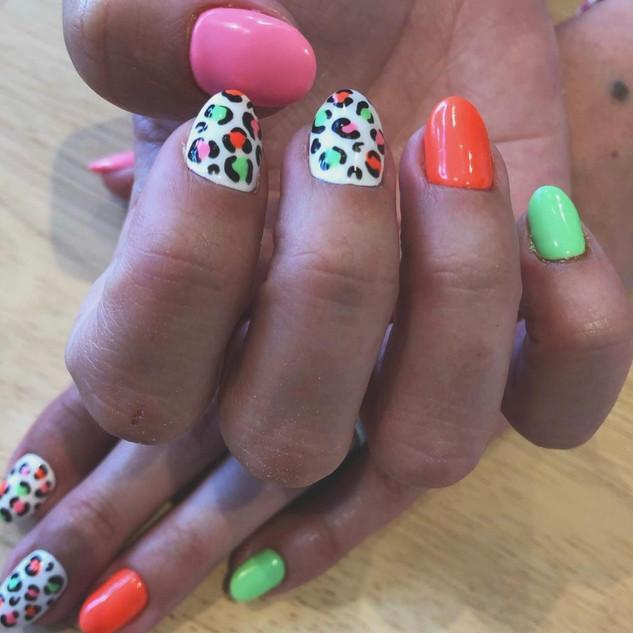 nails neon cheetah.jpeg