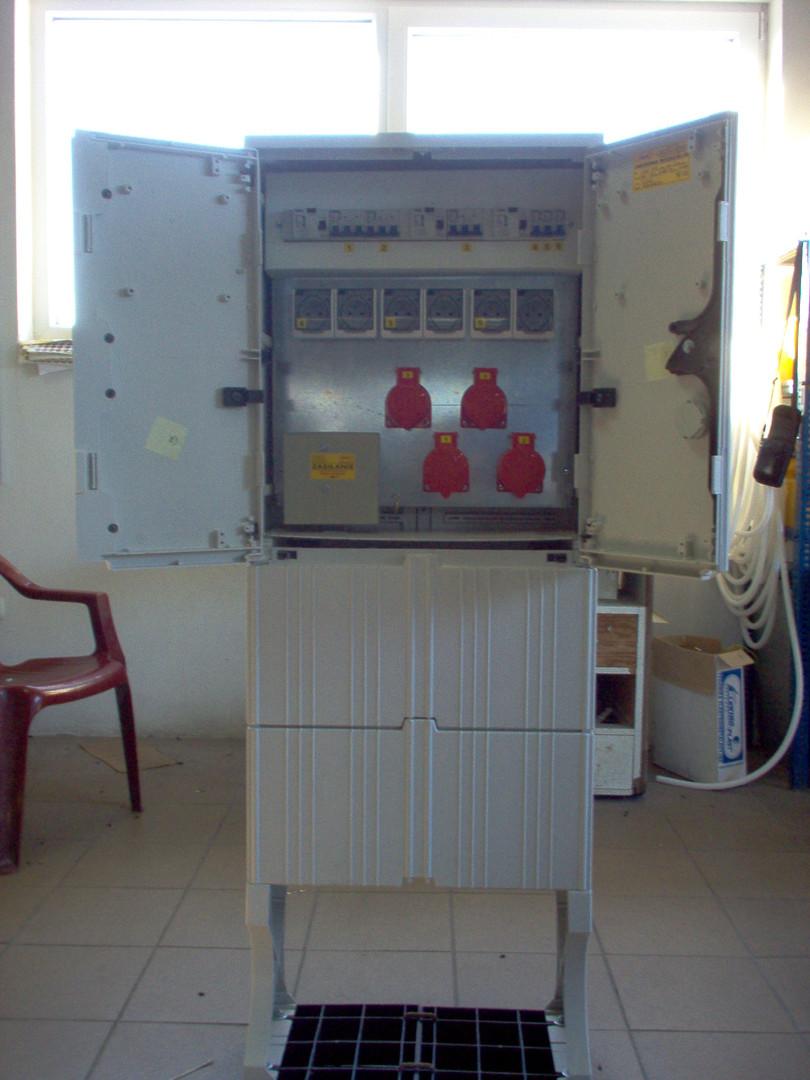 rozdzielnie elektryczne, obudowy gazowe, parapety, konstrukcje metalowe, lakierowanie proszkowe