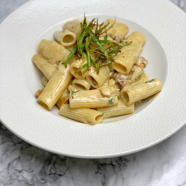 Rigatoni pasta, porcini muchrooms, asparagus & a touch of cream