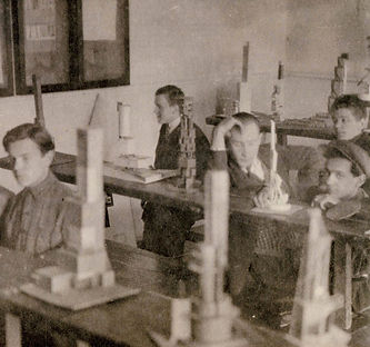 VKhUTEMAS students during a Space course