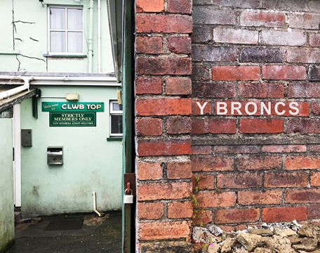 Y Broncs - 09. Fellowship  Y Broncs, is a new series of live streams charting a generation of 'Tumble folk' that belonged to a completely different era. Set in a little place they called the Bronx, in a small community in the Gwendraeth Valley, I wil