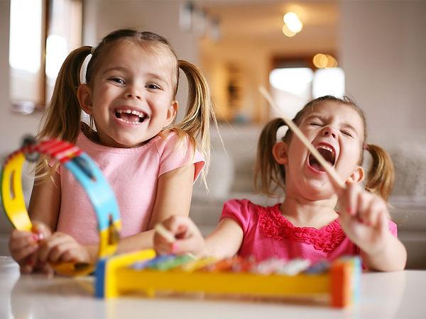 play-ideas-and-games-preschoolersnarrow_