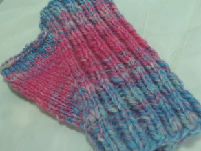 Free Pattern (knit): Easy Fingerless Gloves