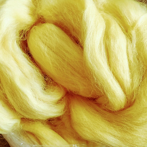 """Merino solid dyed top - """"Yellow"""""""
