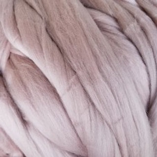 """Merino solid dyed top - """"Cabbage Rose"""""""