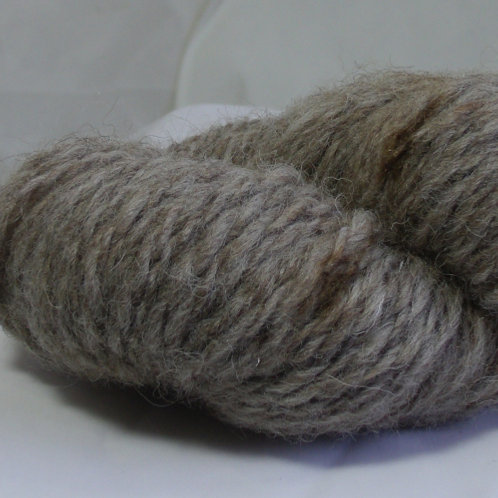 Suffolk sheep wool, handspun
