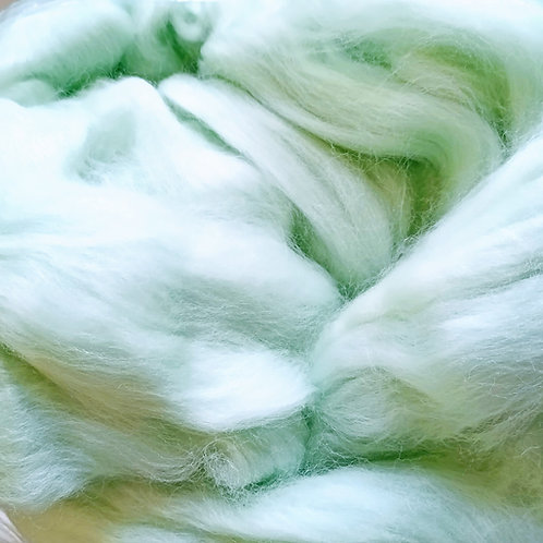 """Merino solid dyed top - """"Mint"""""""