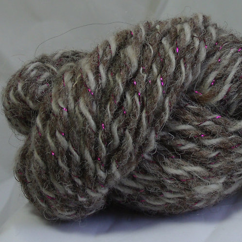 Jacob sheep wool with fuschia sparkle