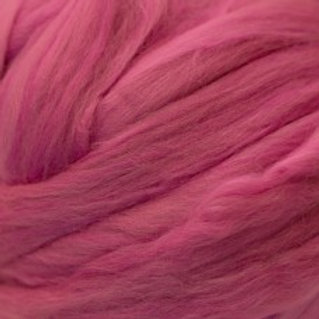 "Merino solid dyed top - ""Fuchsia"""