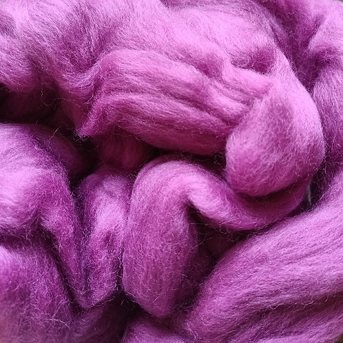 """Merino solid dyed top - """"Berry"""""""