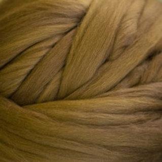 "Merino solid dyed top - ""Oak"""