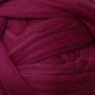 "Merino solid dyed top - ""Ruby"""
