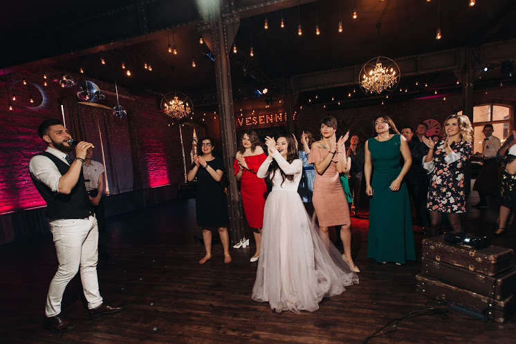 Ведущий на свадьбу в СПб