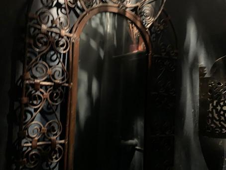 3-Minute Fiction: The Unlit Mirror