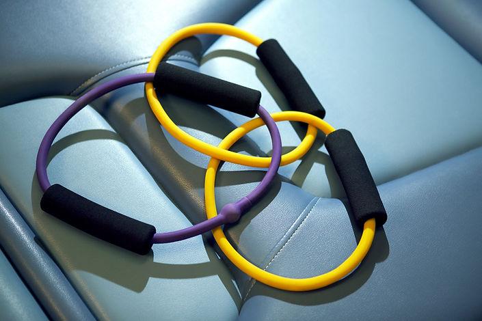 Bandas de exercício usadas para fisioterapia