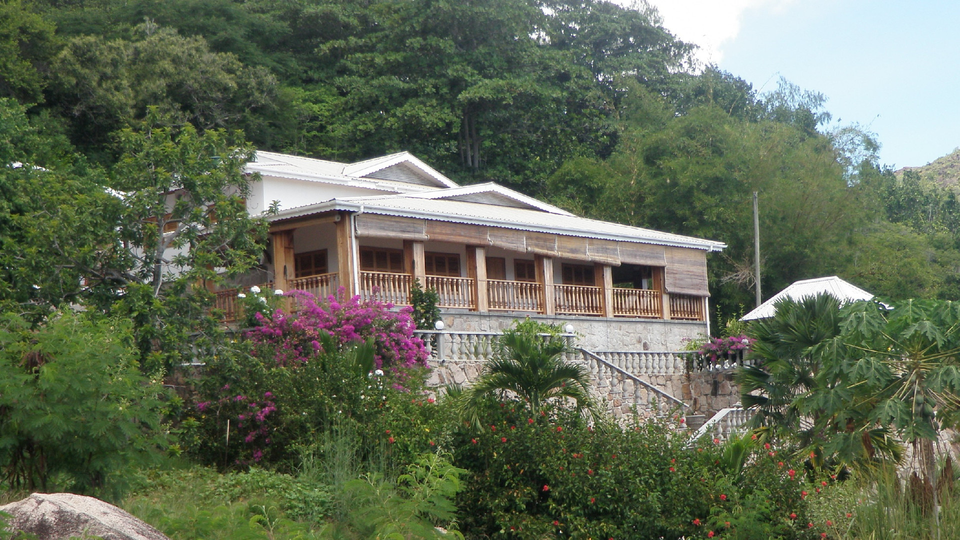 Front View of Bijou Villa