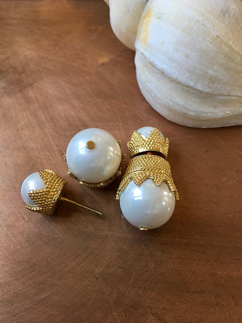 Big Pearl Plug Earrings