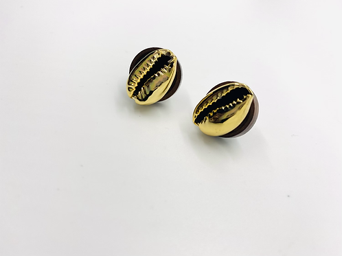Corrie Shell Studs