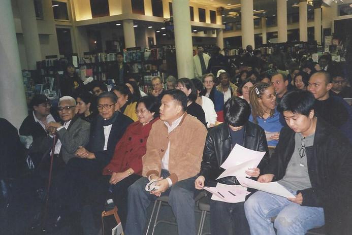 Realuyo Barnes and Noble 1999