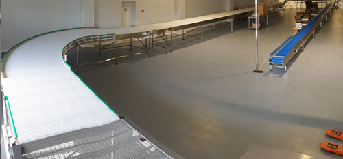 cooling conveyor with angle
