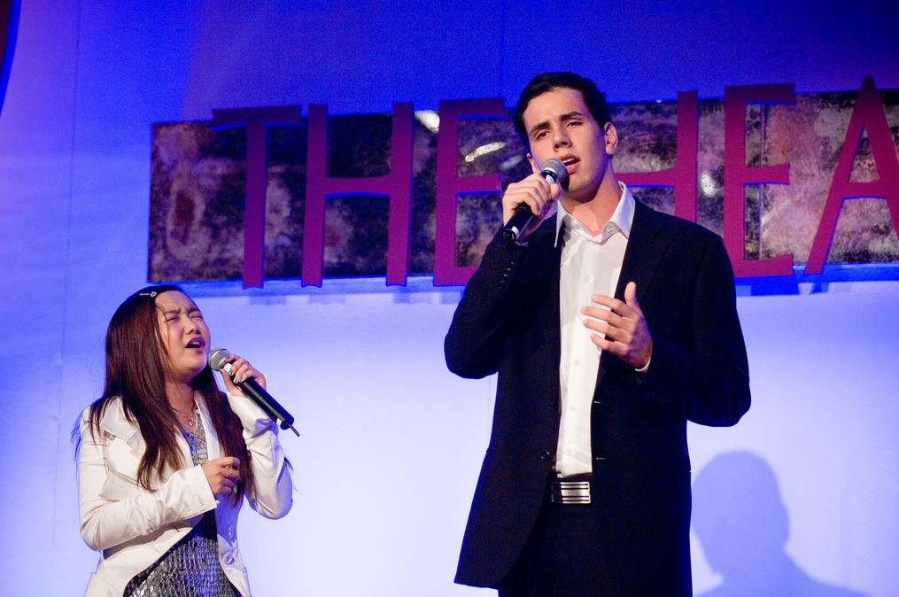 Cody singing with Charice at the Heart Foundation Gala in LA.