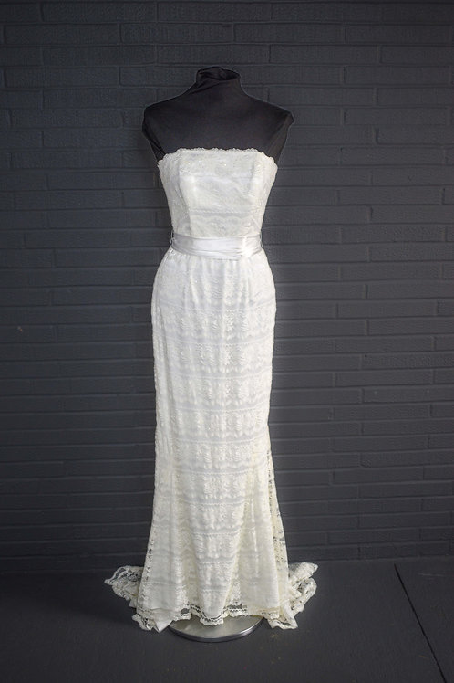 Ivory Lace Wedding Gown - Size 2