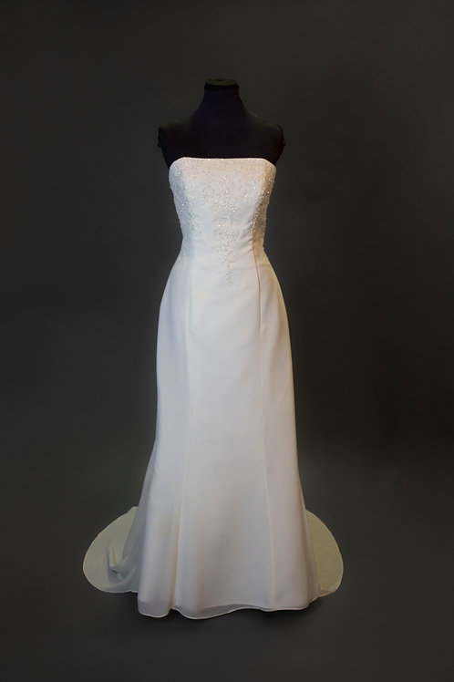 Alfred Angelo Ivory Wedding Gown - Size 14
