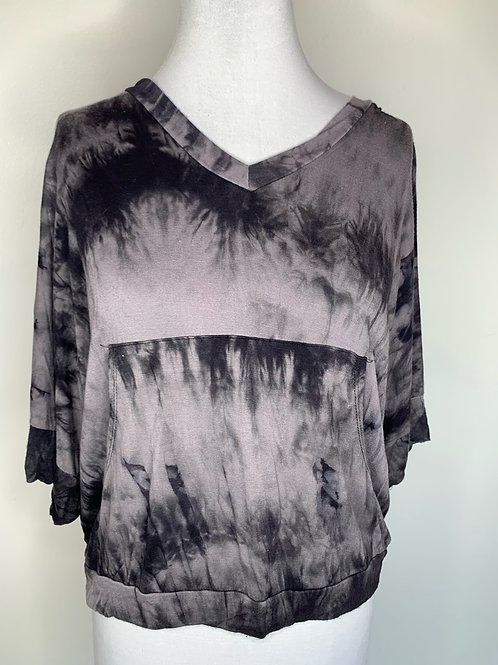 Gray print Top - size Large