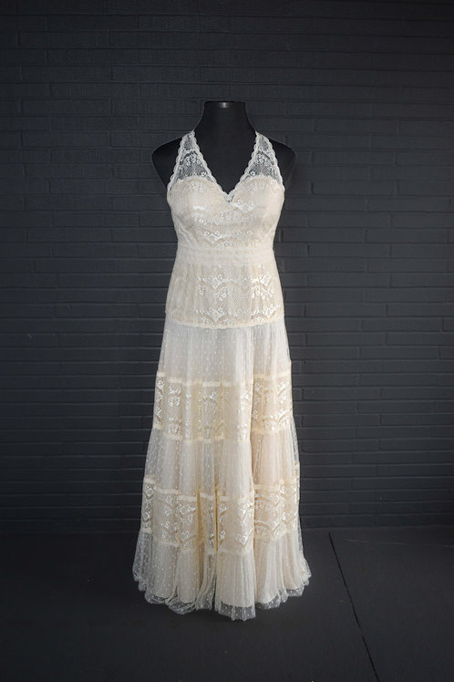 David's Bridal Ivory Lace Wedding Gown - Size 14