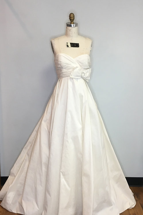 Ivory Ballgown Wedding Gown - Size 10