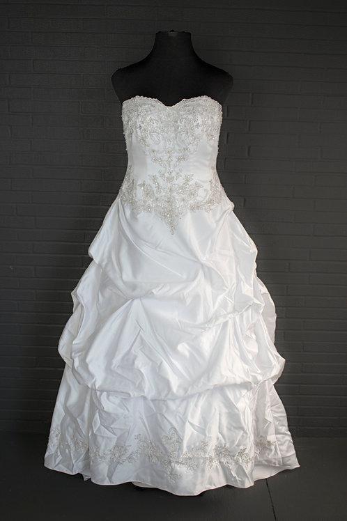 David's Bridal White Wedding Gown - Size 16W