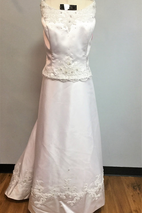 David's Bridal White Wedding Gown - Size 26W