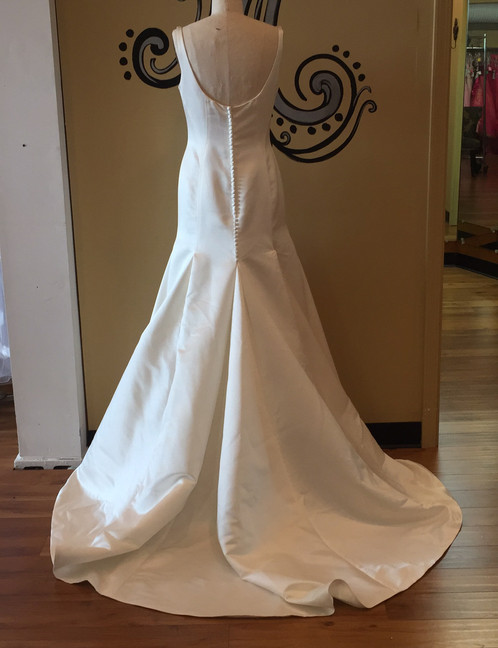 David\'s Bridal Ivory Wedding Gown (Size 8) | Michelle\'s Consignment ...
