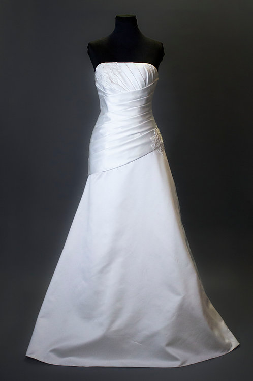 Ivory Satin wedding Gown - Size 6