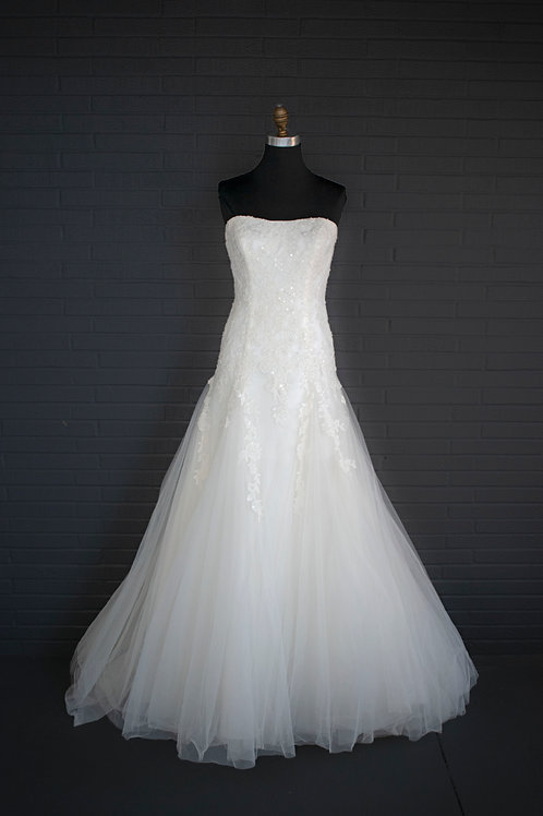 Ivory Flare Wedding Gown - Size 8
