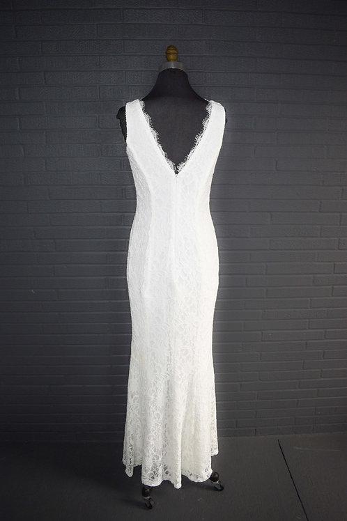 David' Bridal Ivory Wedding Gown - Size 6