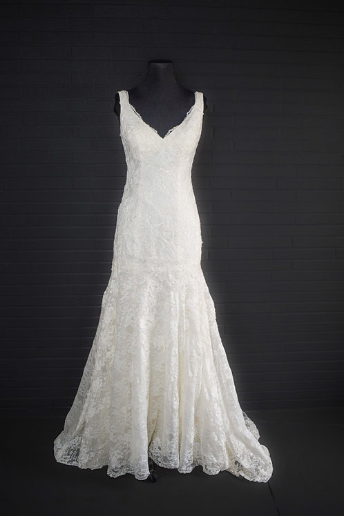 Ivory Lace Wedding Gown - Size 6