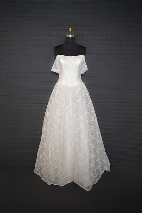 David's Bridal Ivory Lace Wedding Gown - Size 8