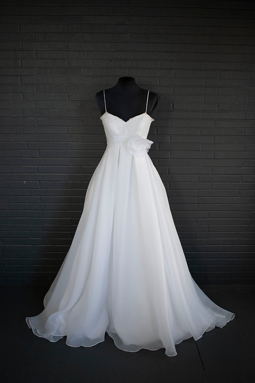 White Ballgown Wedding Gown- Size 0