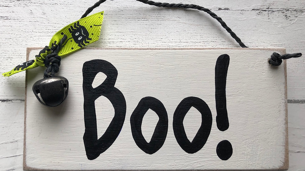 'Boo' Hand Painted Sign
