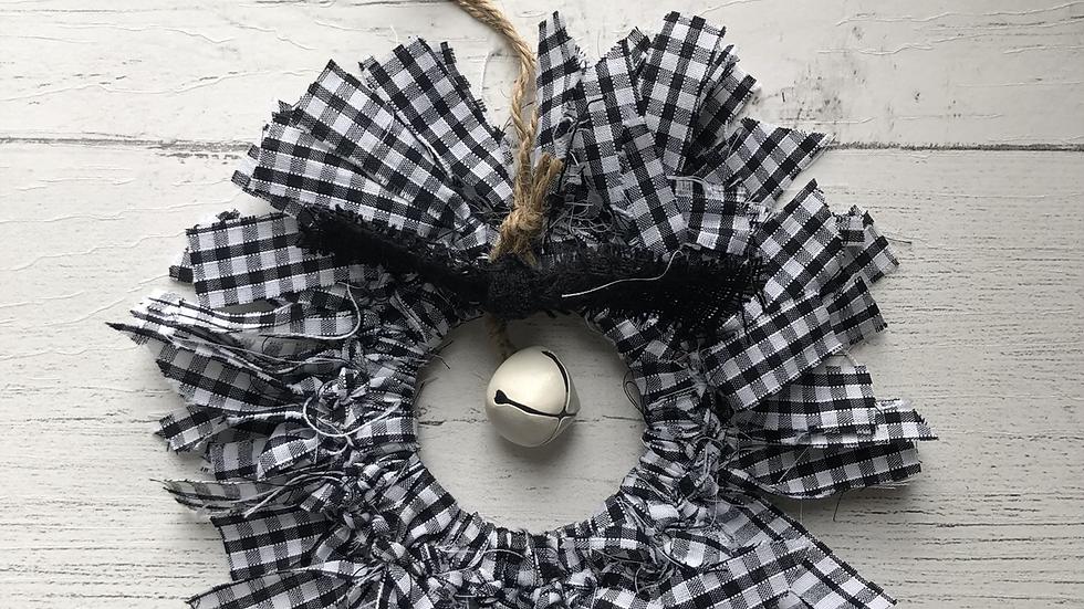 Teeny Rag Wreath in Buffalo Check
