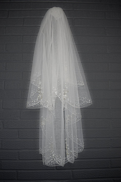 Ivory Lace & Beaded Veil